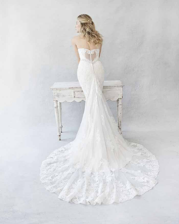 beautiful-bridal-gowns-for-aw16-7