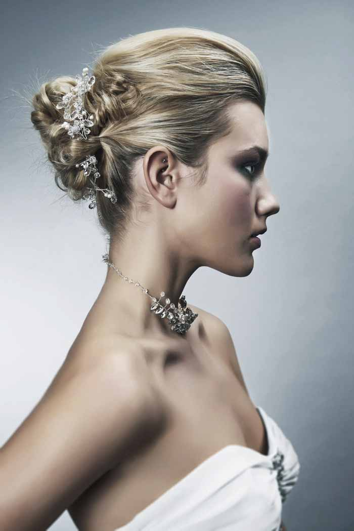 how-to-choose-the-perfect-bridal-hairstyle-3