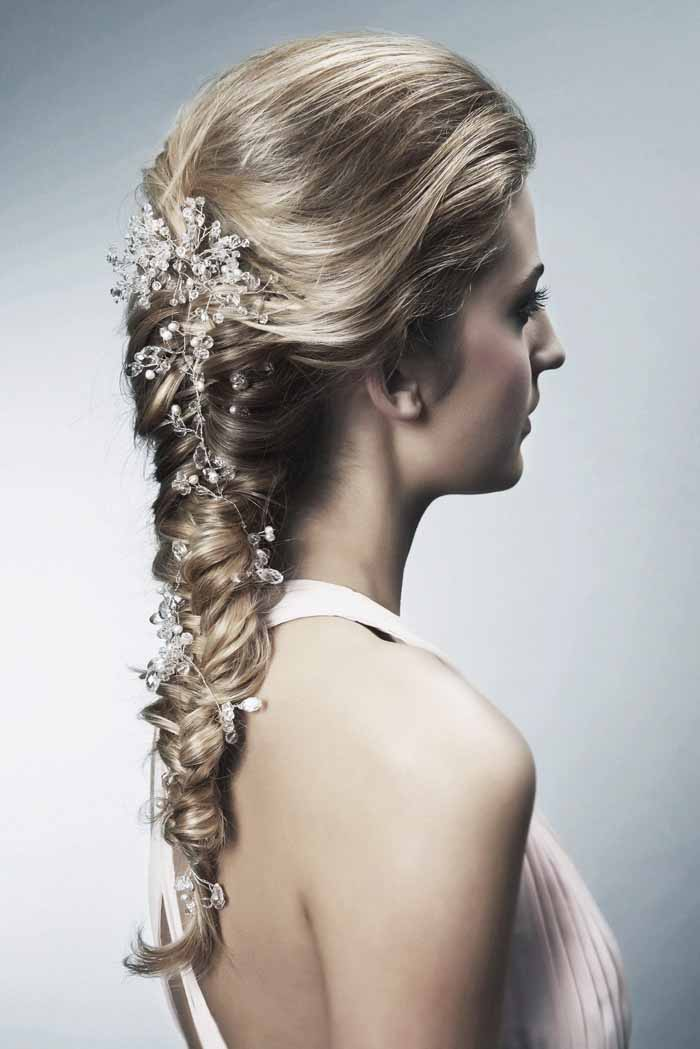 how-to-choose-the-perfect-bridal-hairstyle-5