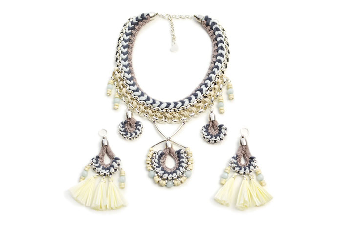 22-statement-jewellery-pieces-for-your-wedding-day-13