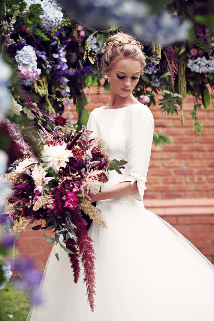 an-opulent-bridal-shoot-in-the-garden-of-eden-8