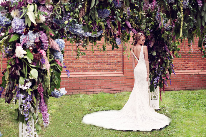 an-opulent-bridal-shoot-in-the-garden-of-eden-9