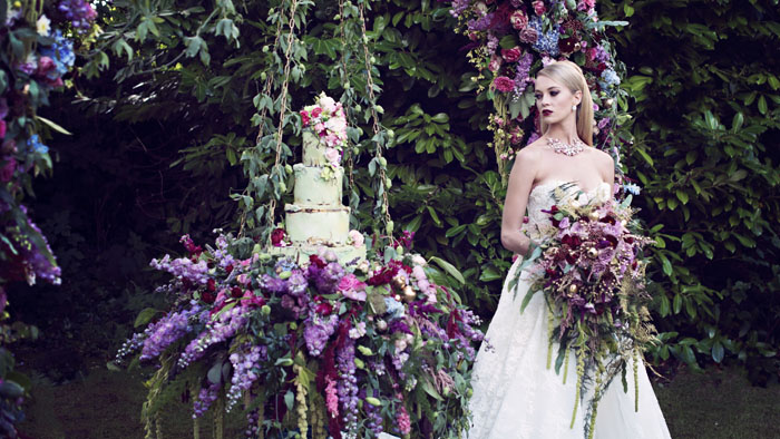 an-opulent-bridal-shoot-in-the-garden-of-eden-12