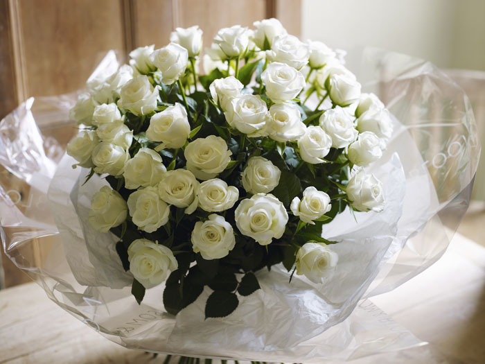 Seven Popular Wedding Flowers And What They Mean