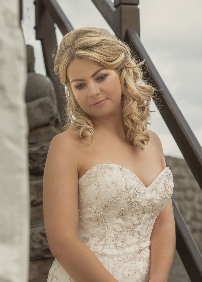 a-quaint-and-glamorous-bridal-shoot-in-clovelly-5