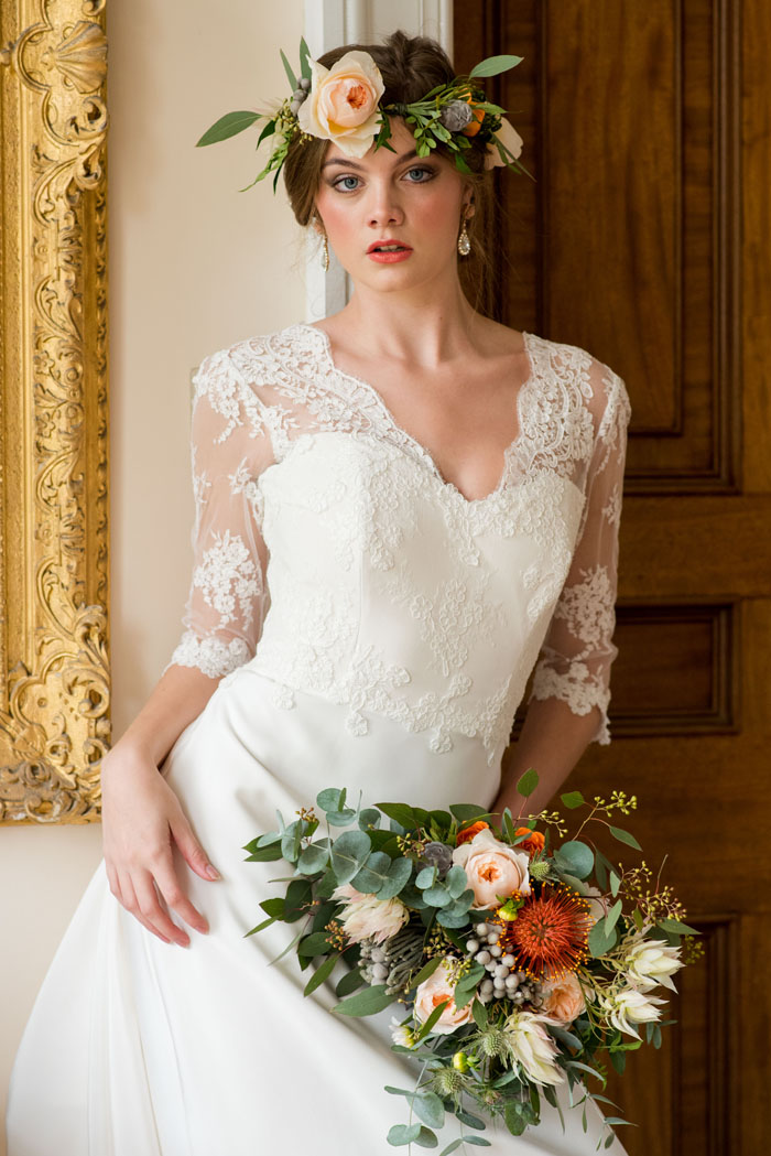 a-rich-and-warm-autumnal-bridal-shoot-15