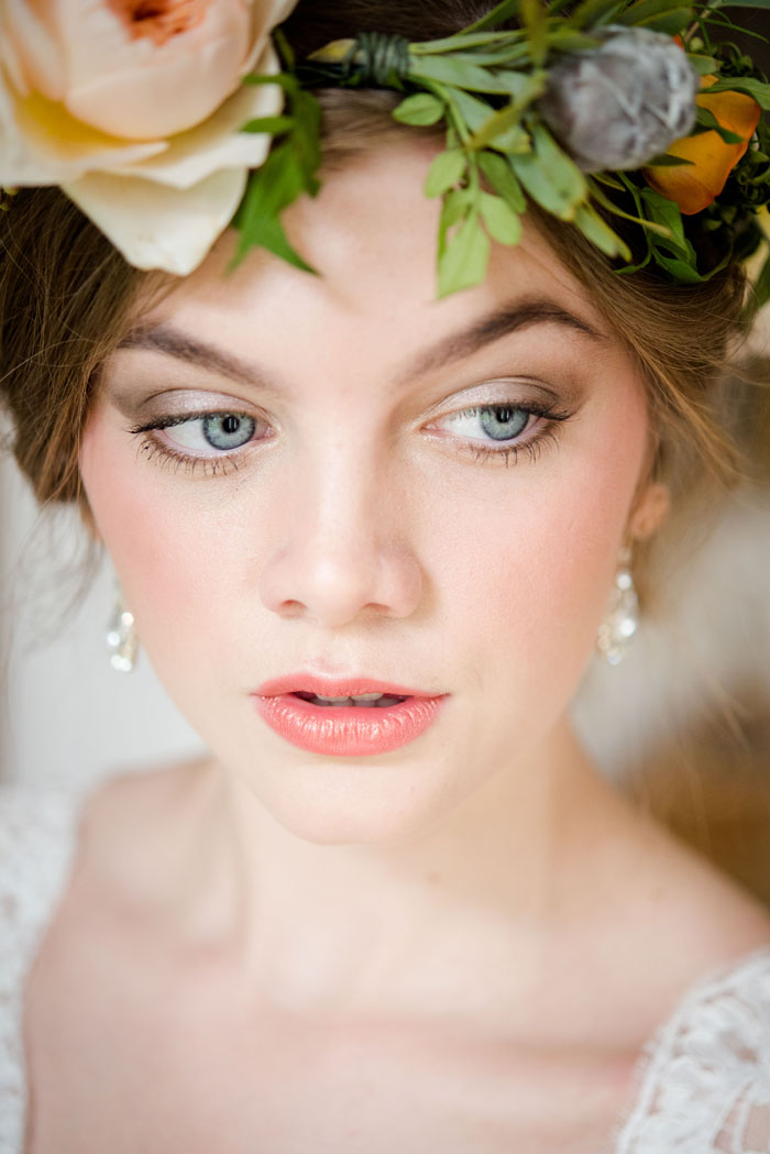 a-rich-and-warm-autumnal-bridal-shoot-16
