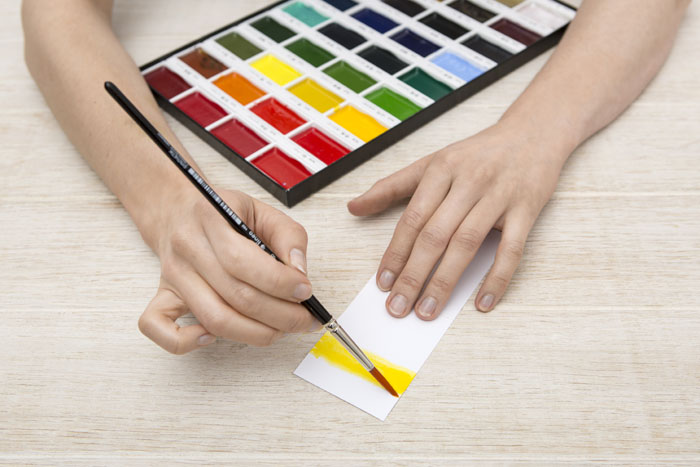 how-to-make-colourful-wedding-place-cards-5