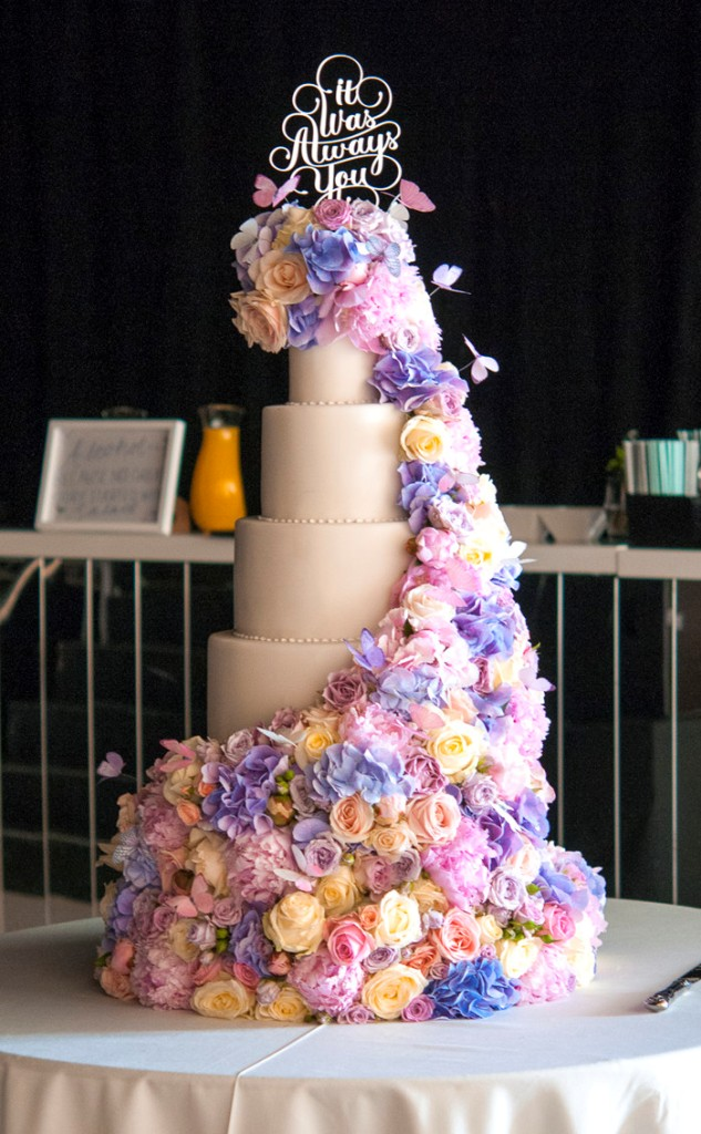 10-ways-to-personalise-your-wedding-cake-4