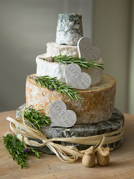 five-alternatives-to-a-traditional-wedding-cake-cheese