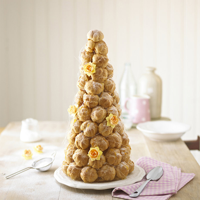 five-alternatives-to-a-traditional-wedding-cake-croquembouche