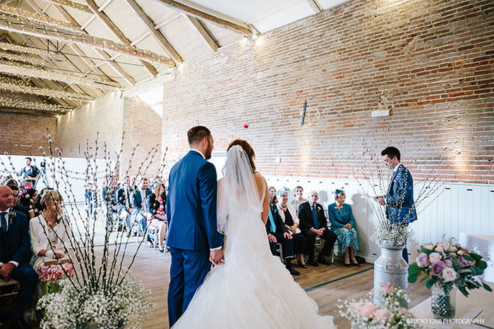 beautiful-barn-wedding-venues-in-norfolk-9