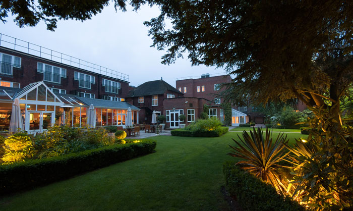 venue-fact-file-the-bull-hotel-buckinghamshire-3