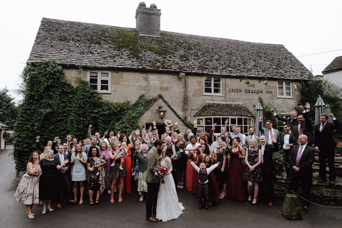 wedding-of-the-week-cotswolds-green-dragon-inn-16
