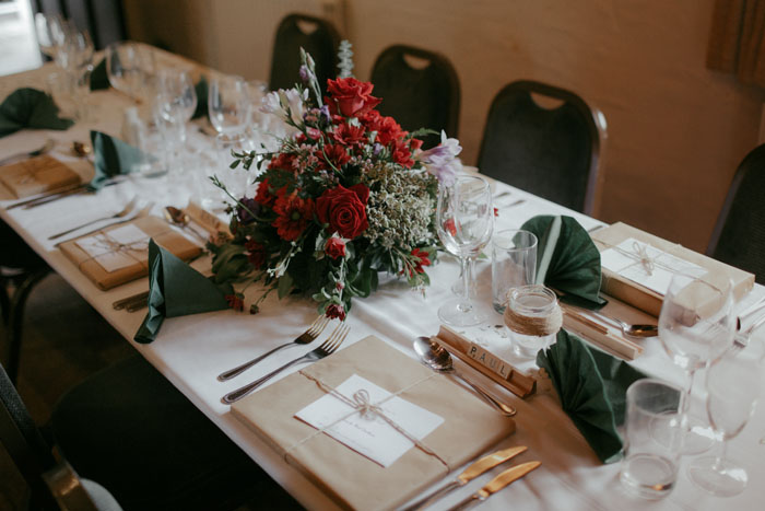 wedding-of-the-week-cotswolds-green-dragon-inn-23