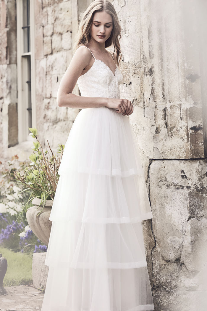 sensational-bridal-gowns-for-a-summer-wedding-5