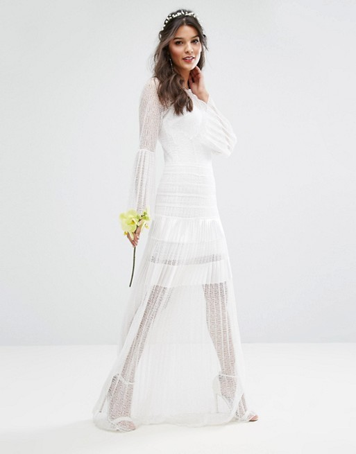 six-alternative-wedding-dresses-for-unconventional-brides-6