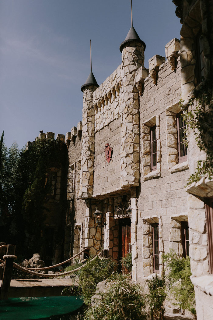 wedding-of-the-week-harry-potter-hollywood-castle-america-4