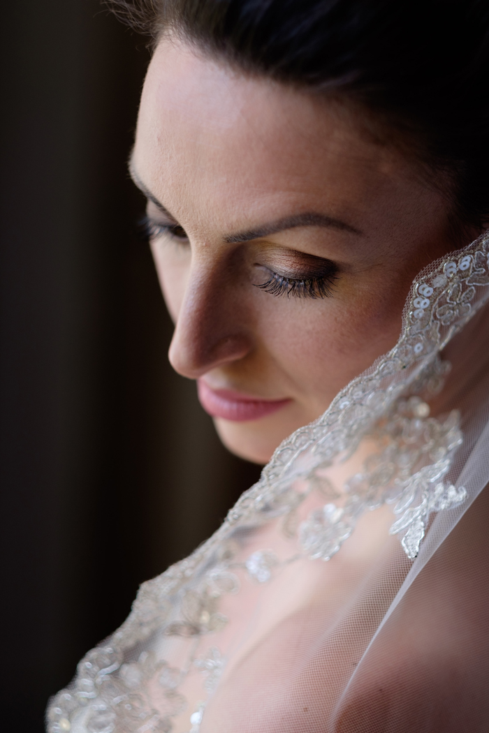 a-majestic-abbey-bridal-shoot-10