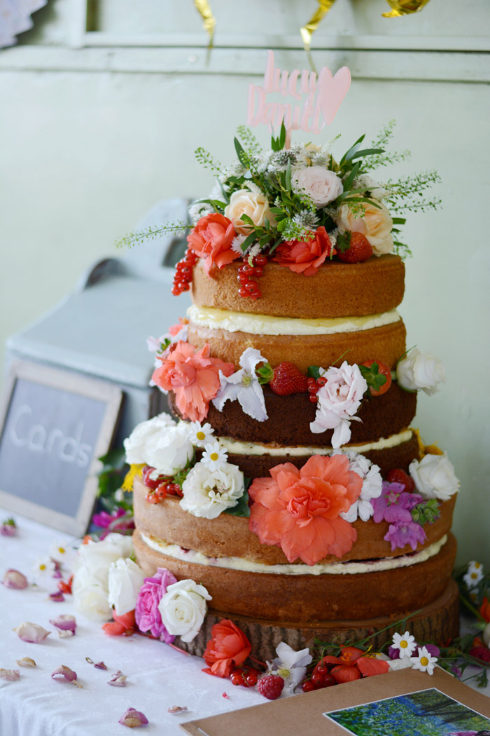 Homemade Wedding Cake.Diy Or Disaster Should You Bake Your Own Wedding Cake