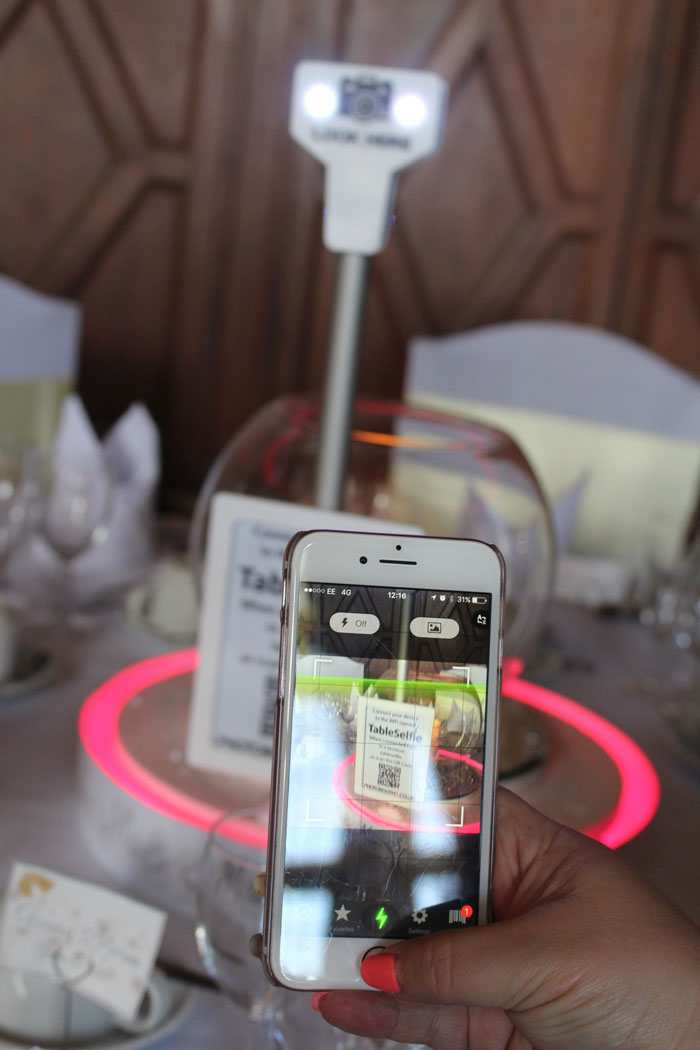photobooths-wedding-table-selfie-centrepiece-4