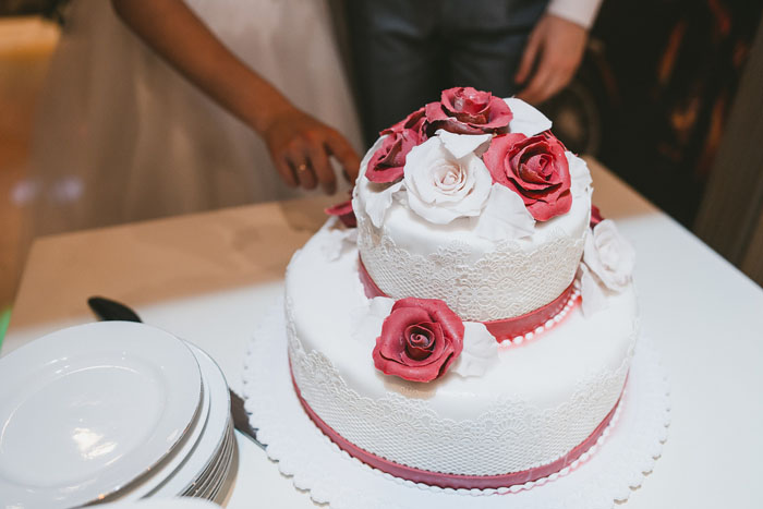 how-to-choose-the-perfect-wedding-cake-3