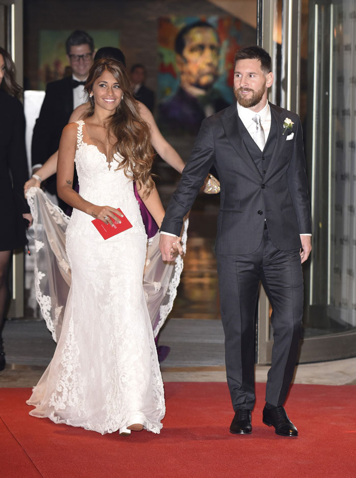 rosa-clara-designs-antonela-roccuzzo-wedding-dress-3