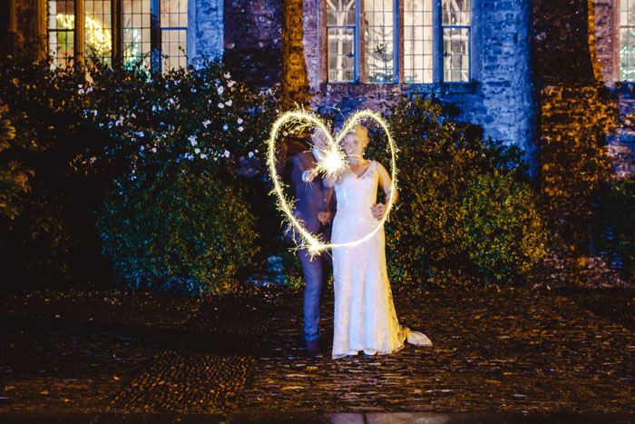 wedding-of-the-week-dartington-hall-totnes-devon-33