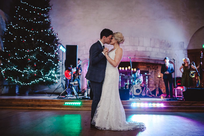 wedding-of-the-week-dartington-hall-totnes-devon-34
