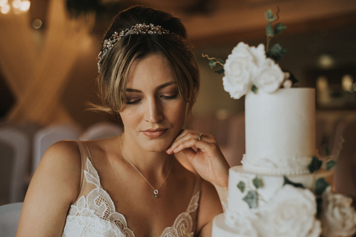 a-less-is-more-luxury-bridal-shoot-20