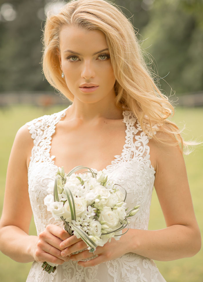 a-simple-and-striking-bridal-shoot-2