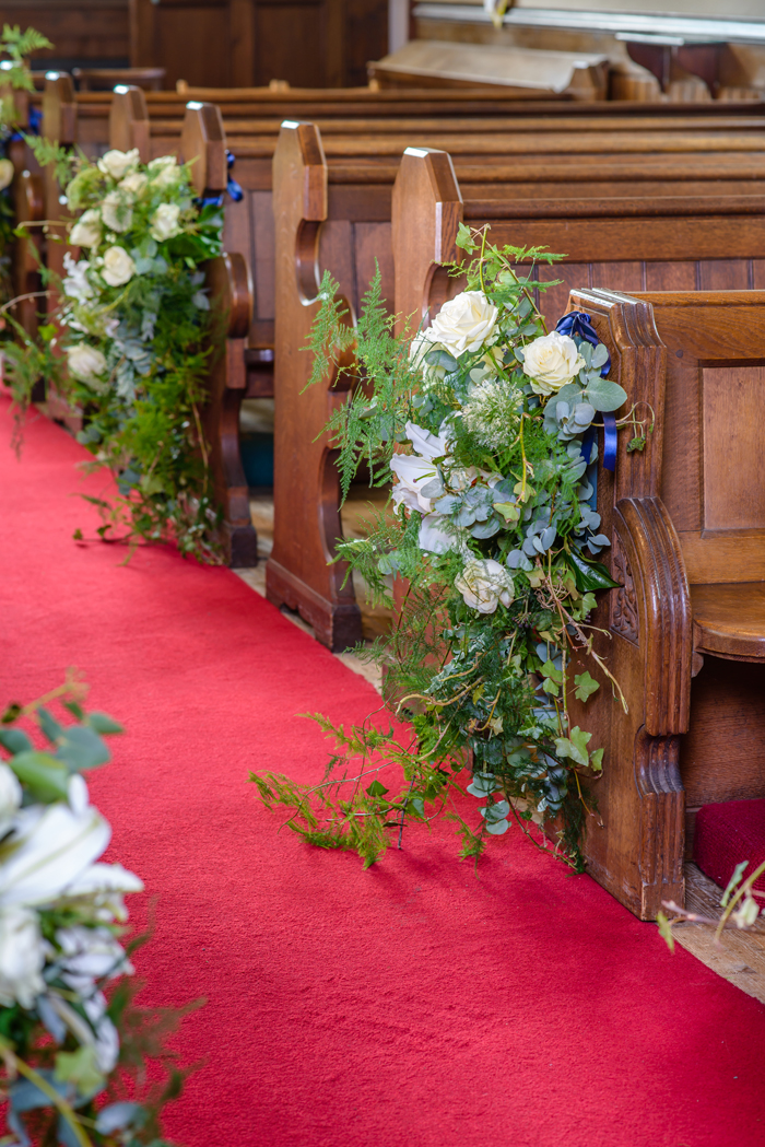 How To Use Fresh Flowers To Decorate Your Wedding Day