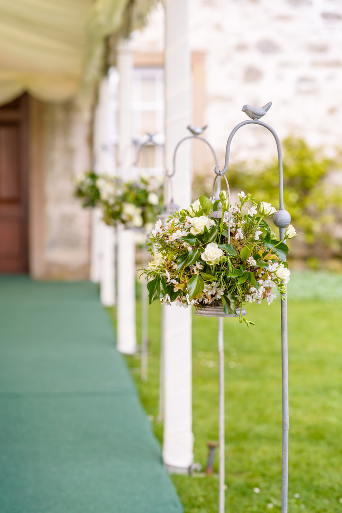 how-to-use-fresh-flowers-to-decorate-your-wedding-day-10