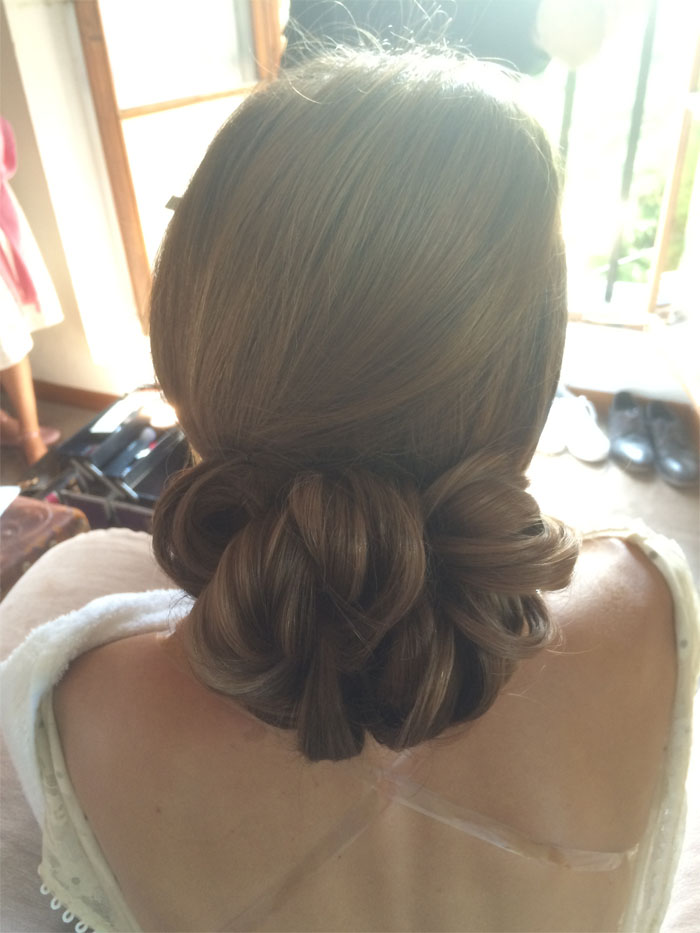10-bridal-hairstyles-for-a-summer-wedding-7