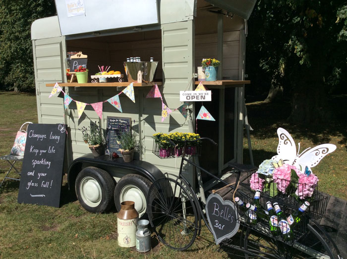 converted-horsebox-wedding-businesses-in-the-uk-3