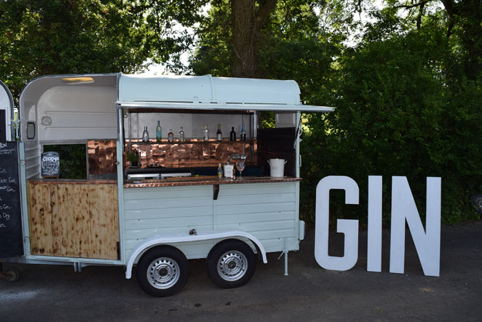 10 Converted Horsebox Wedding Businesses In The Uk