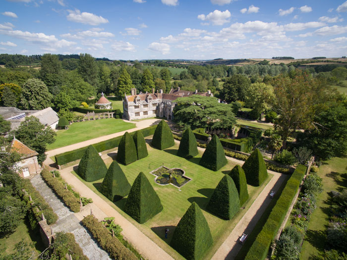 venue-fact-file-athelhampton-house-gardens-dorset-10