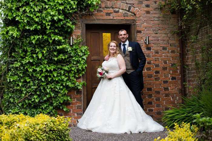 wedding-of-the-week-wrenbury-hall-cheshire-21