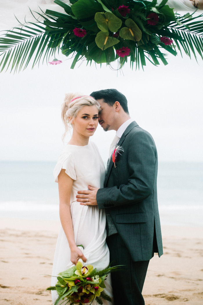 a-hot-pink-tropical-wedding-shoot-15