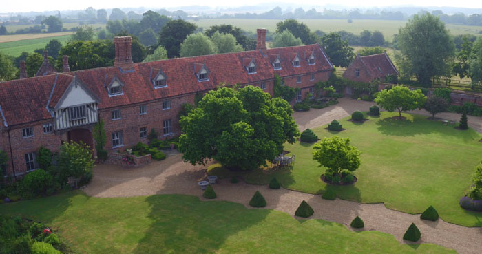 venue-fact-file-hales-hall-the-great-barn-norfolk-4