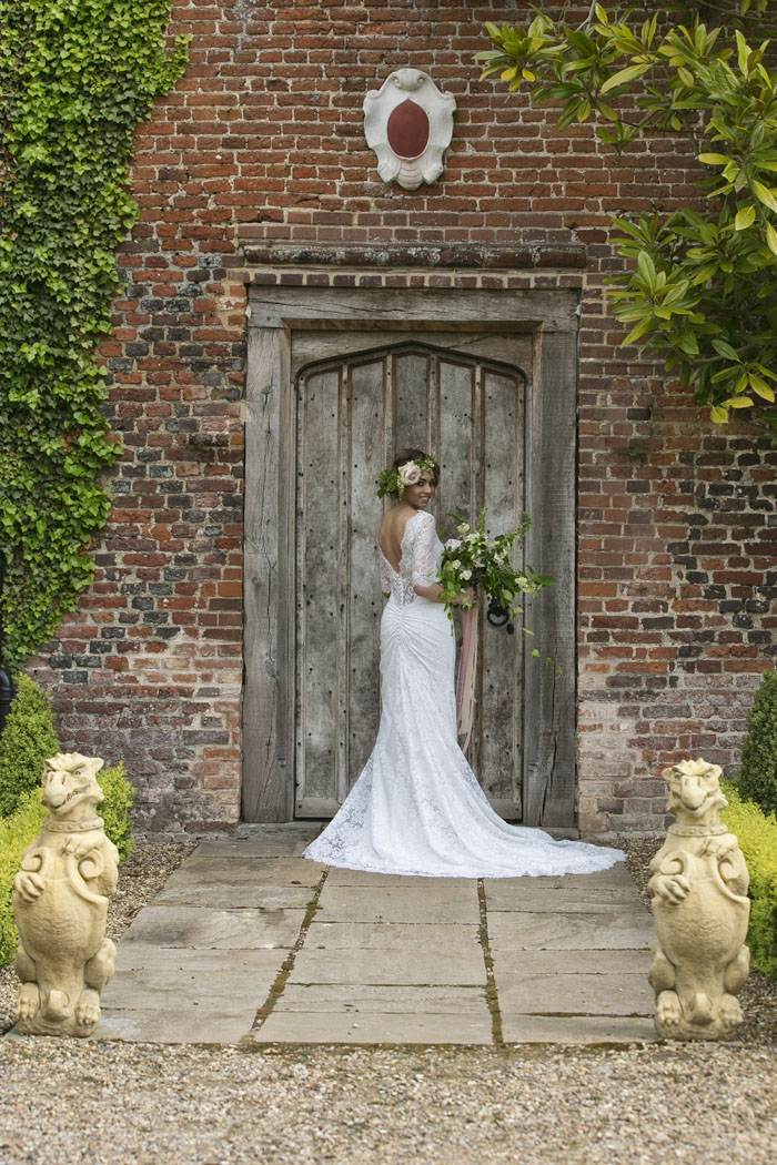 venue-fact-file-hales-hall-the-great-barn-norfolk-9