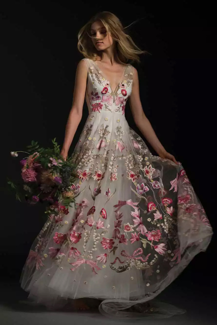 10 colourful wedding dresses