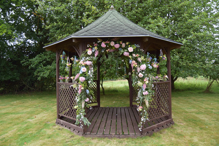 outdoor-wedding-ideas-at-silchester-house-4