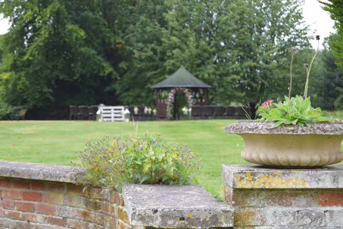 outdoor-wedding-ideas-at-silchester-house-6