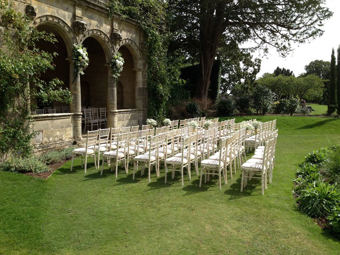 10 Romantic Outdoor Wedding Venues