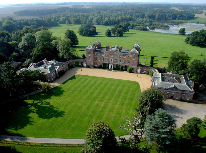 wow-factor-wedding-venues-norfolk-suffolk-4