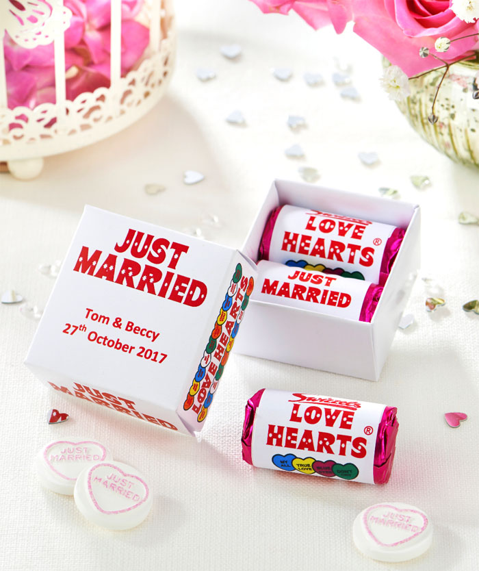 five-ways-to-have-fun-with-your-wedding-favours-3