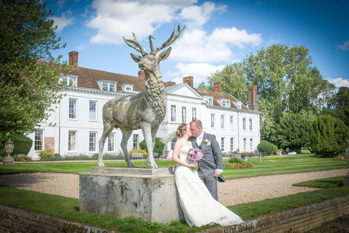 wedding-of-the-week-gosfield-hall-essex-17