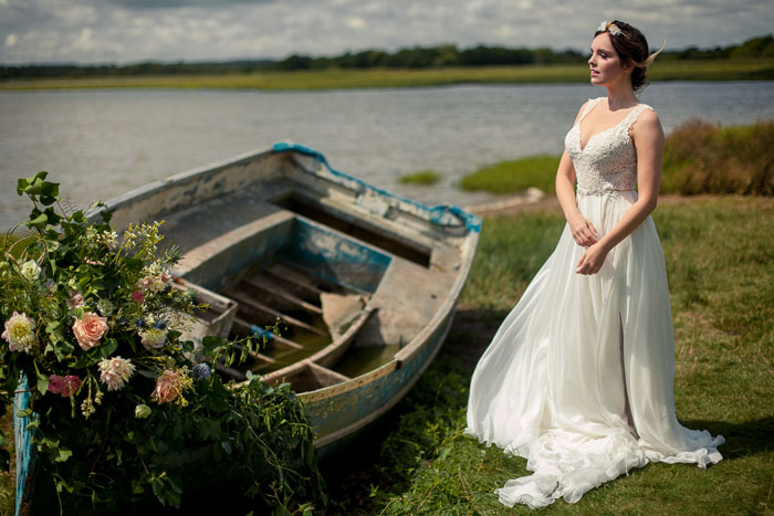 a-dorset-wedding-shoot-on-the-waters-edge-8