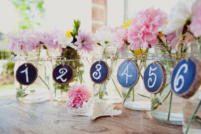 six-uses-for-mason-jars-in-your-wedding-7